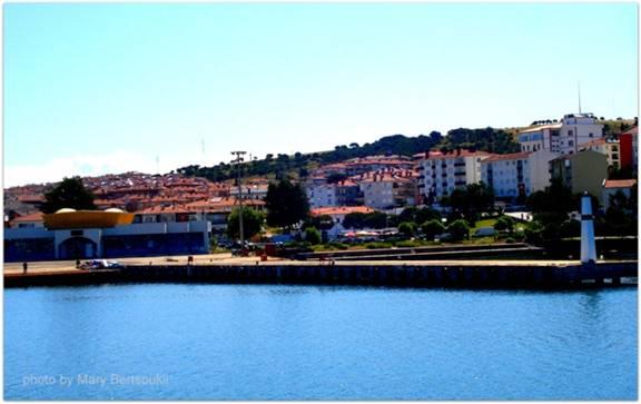 Εικόνα 1: Η πρώτη άποψη της πόλης, το σημείο που αράζει το καραβάκι. Αριστερά είναι το τελωνείο.