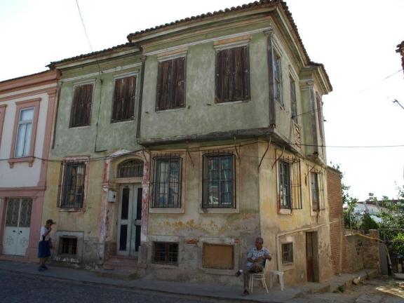 Εικόνα 5: Το σπίτι του Ηλία Βενέζη, στο Αϊβαλί.